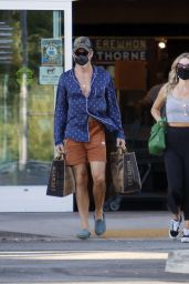 Annabelle Wallis - Outside a Natural Foods in LA 08/15/2020
