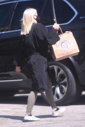 Ariel Winter - Leaving a Hair Salon in West Hollywood 08/03/2020