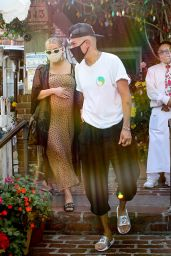 Ashlee Simpson With Her Husband Evan Ross at The Ivy in LA 08/22/2020