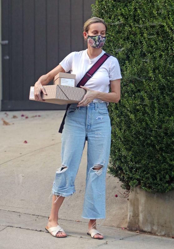 Brie Larson Street Style - Los Angeles 08/14/2020