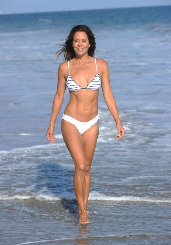 Brooke Burke in a Bikini - Working on Her Brooke Burke Body App in Malibu 08/10/2020