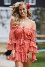 "Chloe Meadows - ""The Only Way is Essex"" TV Show Filming in Essex 08/21/2020"