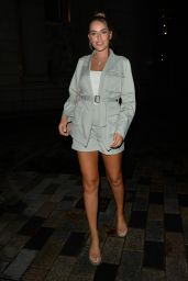 Chloe Ross Night Out Style - Coppa Bar, Tower Bridge in London 08/15/2020