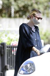 Dakota Fanning at a Park in LA 08/02/2020