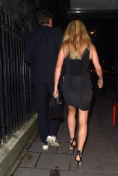 Ellie Goulding Night Out Style - Annabels Private Members Club in Mayfair 08/14/2020