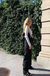 Elsa Hosk Outfit - Instagram 07/30/2020