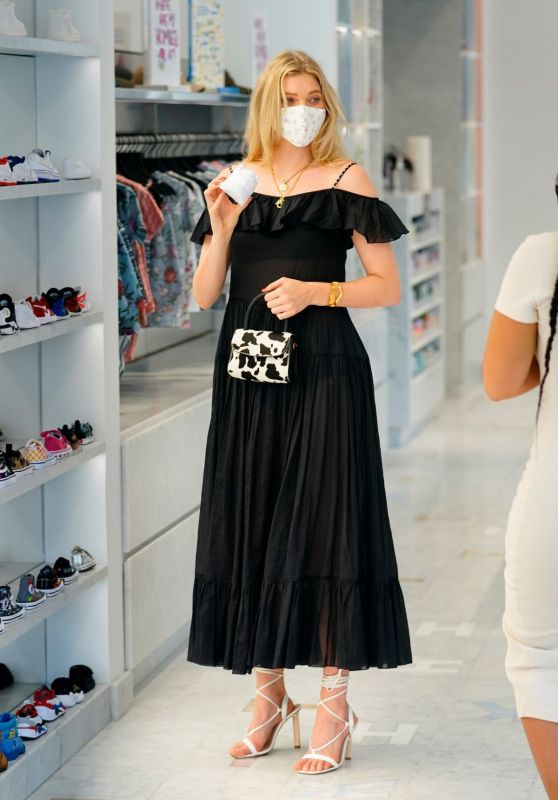 Elsa Hosk - Shopping for Shoes in NYC 07/31/2020
