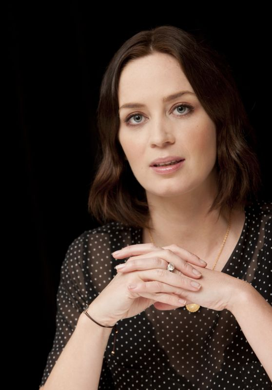"""Emily Blunt - """"Salmon Fishing in the Yemen"""" Press Conference in NY"""