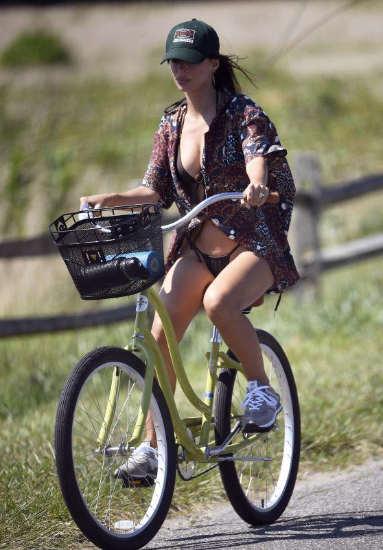 Emily Ratajkowski - Bike Ride in East Hampton 08/08/2020