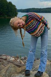 Emily Skinner - Social Media Photos 08/04/2020