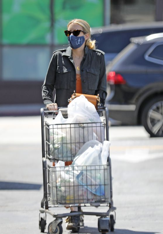 Emma Roberts - Grocery Shopping in LA 08/15/2020