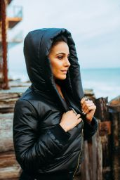 Emmanuelle Chriqui - Coco Eco August 2020