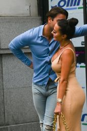 """Frankie Sims, Chloe Sims, Demi Sims, Yazmin Oukhellou, Georgia Kousoulou – """"The Only Way is Essex"""" TV Show Filming in London 08/16/2020"""