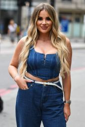 "Frankie Sims, Chloe Sims, Demi Sims, Yazmin Oukhellou, Georgia Kousoulou – ""The Only Way is Essex"" TV Show Filming in London 08/16/2020"