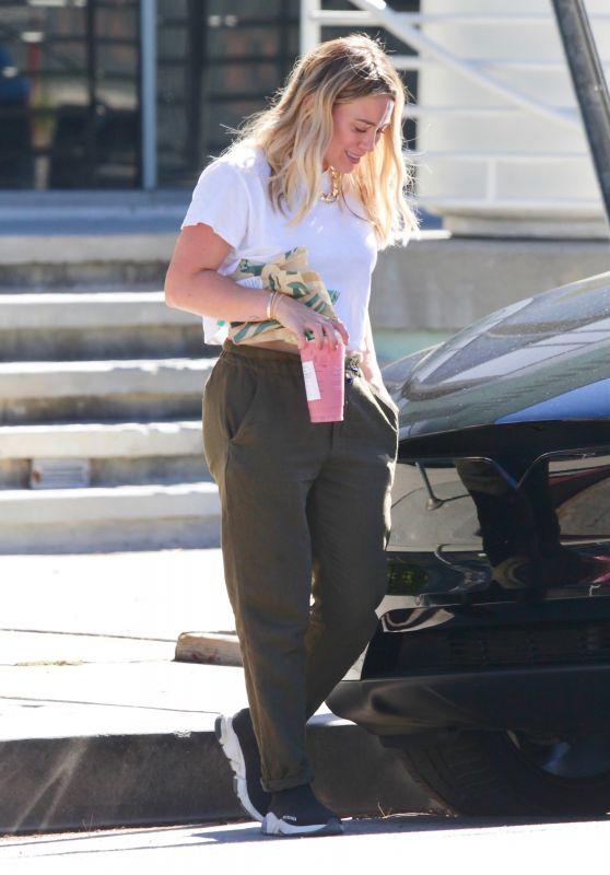 Hilary Duff at Starbucks in Studio City 07/31/2020
