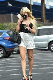 Holly Madison Summer Street Style - Los Angeles 08/24/2020