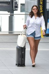 Imogen Thomas - Arriving at Gatwick Airport in London 08/06/2020