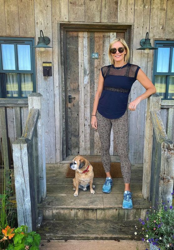 Jenni Falconer - Social Media Photos 08/11/2020