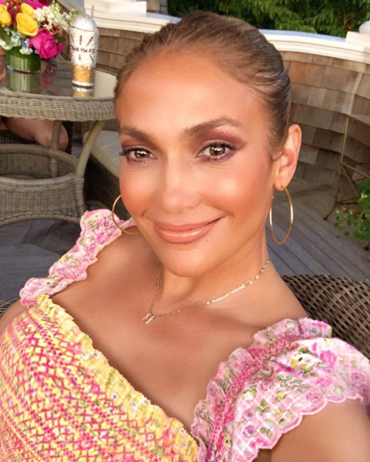 Jennifer Lopezs Sexiest Instagram Photos