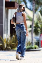 Kaia Gerber Street Style 08/09/2020