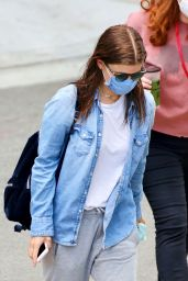 """Kate Mara - Arrives to the Set of """"A Teacher"""" in LA 08/07/2020"""