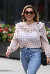 Kelly Brook in Tight Denim and Detailed Blouse - London 08/22/2020