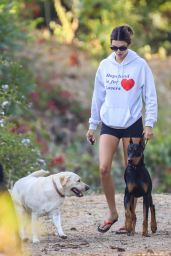 Kendall Jenner - Hiking in Malibu 08/01/2020