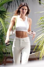 Kendall Jenner Street Style - West Hollywood 08/13/2020
