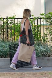 Kristen Bell - Out in Los Feliz 08/16/2020