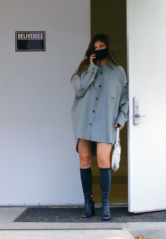 Kylie Jenner - Leaving a Meeting in Calabasas 08/06/2020