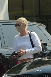Lindsey Vonn - Heads to a Salon in LA 08/19/2020