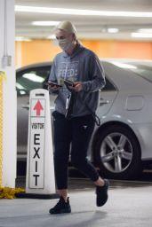 Lindsey Vonn - Running Errands in Los Angeles 08/06/2020