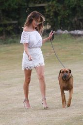 Lizzie Cundy - Walking Her Dog in London 07/30/2020