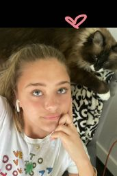 Lizzy Greene - Social Media Photos and Videos 08/04/2020