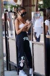 Madison Beer at I'll Pastaio in Beverly Hills 08/27/2020