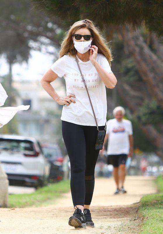 Maria Shriver - Out in Santa Monica 08/17/2020