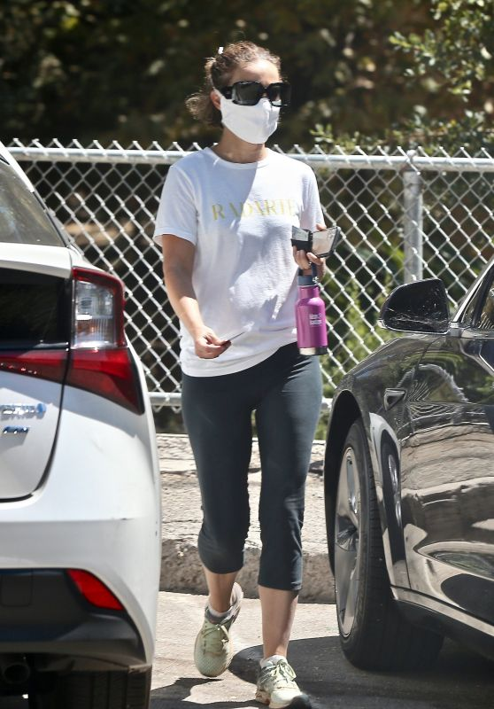Natalie Portman at Griffith Park in LA 08/12/2020