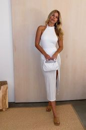 Natasha Oakley - Social Media Photos 08/17/2020