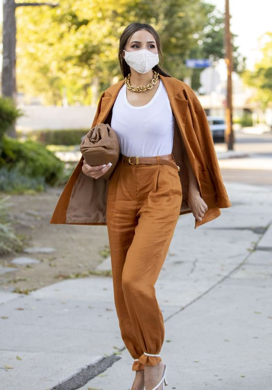 Olivia Culpo in a Linen Suit - Los Angeles 08/04/2020
