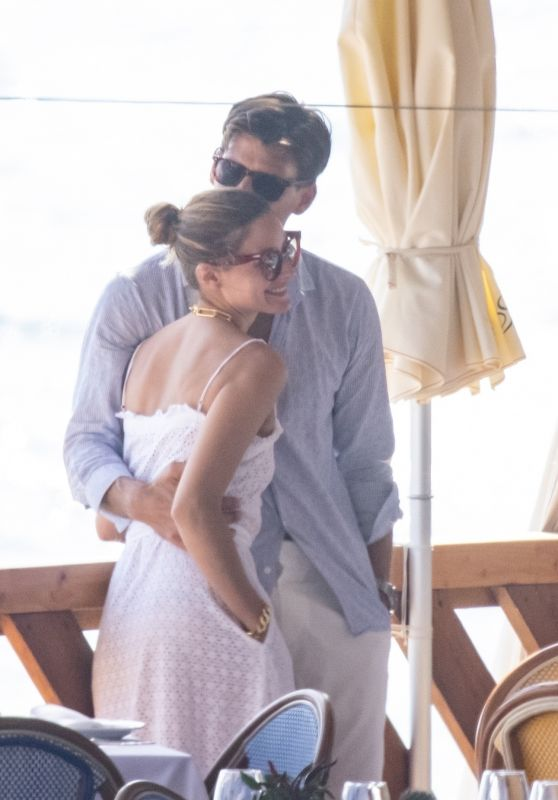 Olivia Palermo and Her Husband Johannes Huebl - Capri 08/30/2020