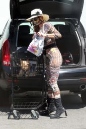 Phoebe Price - Heads to Petco in Los Angeles 08/26/2020