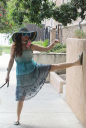 Phoebe Price - Walking Her Dog Henry in LA 08/17/2020