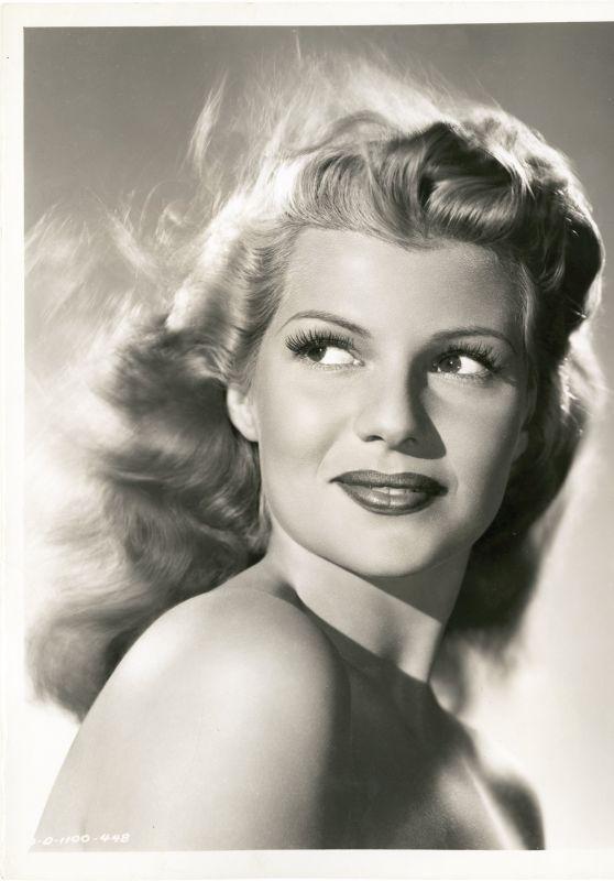 Rita Hayworth - Photoshoot 1947