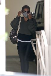 Sarah Michelle Gellar - Arriving For a Private Workout Session in Brentwood 08/14/2020