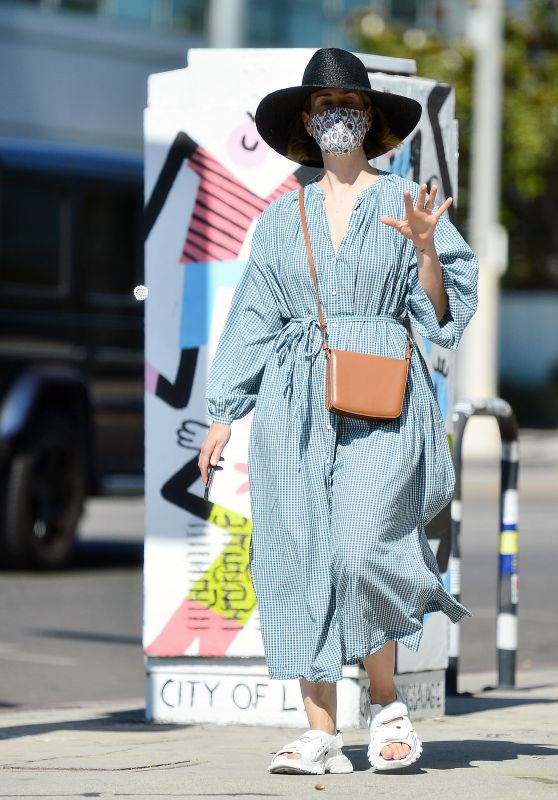 Sarah Paulson - Furniture Shopping in Los Angeles 07/30/2020