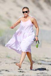 Scarlett Johansson - Beach in the Hamptons 08/20/2020