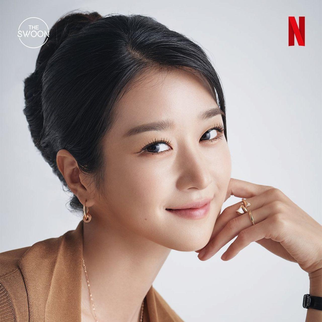 seo-ye-ji-kim-soo-hyun-photoshoot-for-netflix-2020-1.jpg
