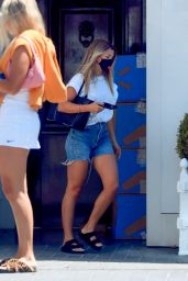 Sofia Richie Summer Street Style 08/07/2020