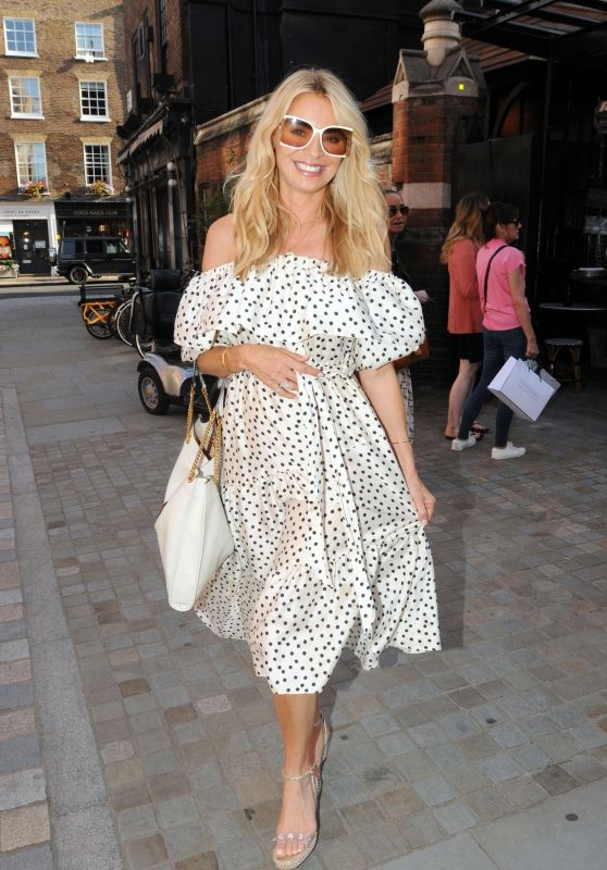 Tess Daly - Chiltern Firehouse in London 08/20/2020