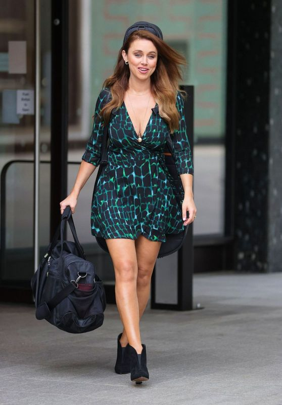 Una Healy in a Green Short Dress - London 08/16/2020